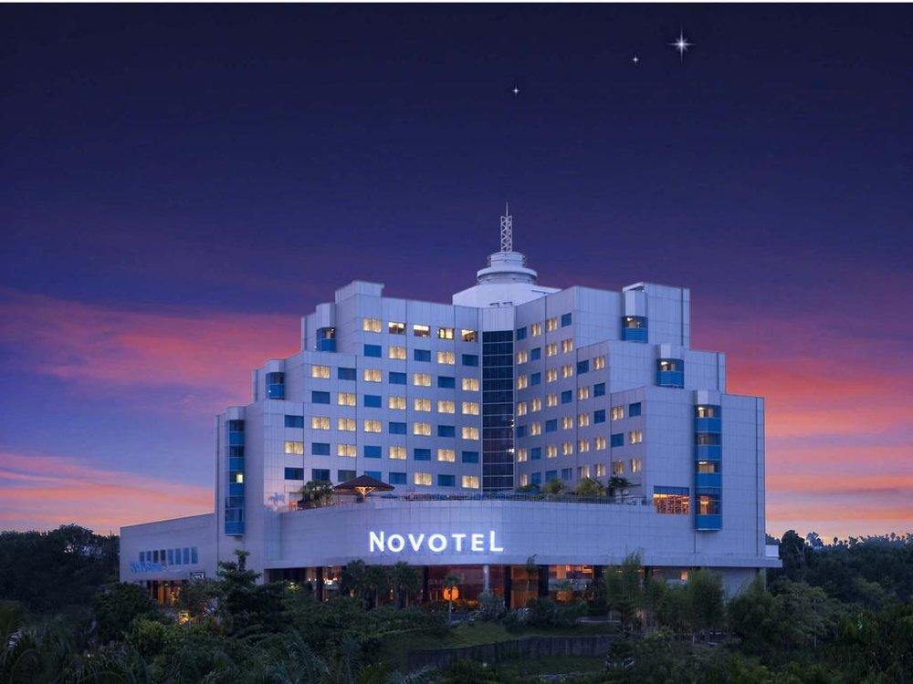 Novotel Balikpapan Hotel Jalan Brigjen Ery Suparjan No. 2 76112, Balikpapan Indonesia Phone : +62 542 820820 Email : reservation@novotelbalikpapan.com