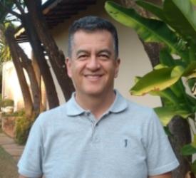 Carlos Aragon.jpg