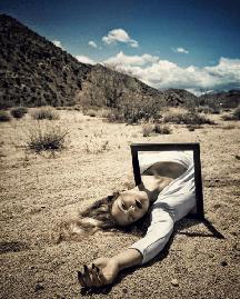 Frame @annamcnaughty