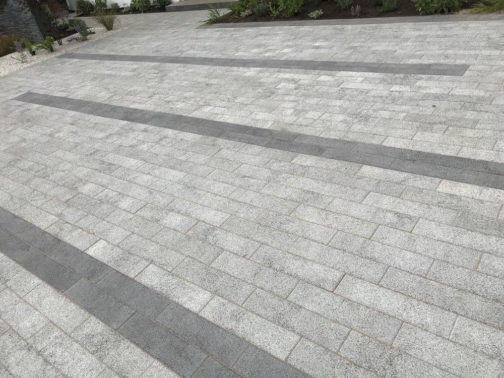 Stonemarket Vector driveway, Esher 2018.