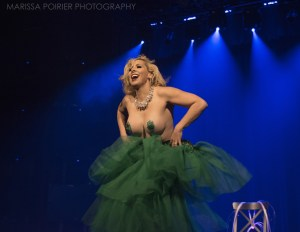Arabella Allure shakes her skirt for the crowd. Photo by Morgan Cairns.
