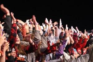 A sea of Twenty One Pilots fans. Photo by Kennedy Enns.