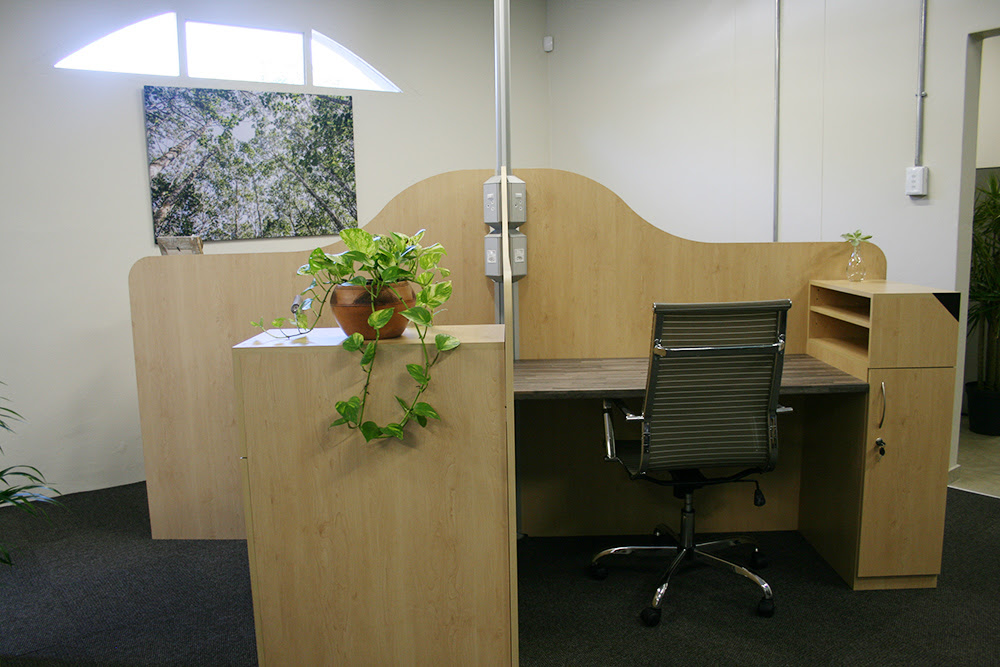As a Full Member, enjoy your own private desk with a locker and shelves.
