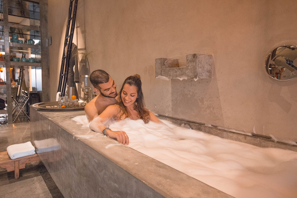 travel couple jacuzzi hotel room portugal