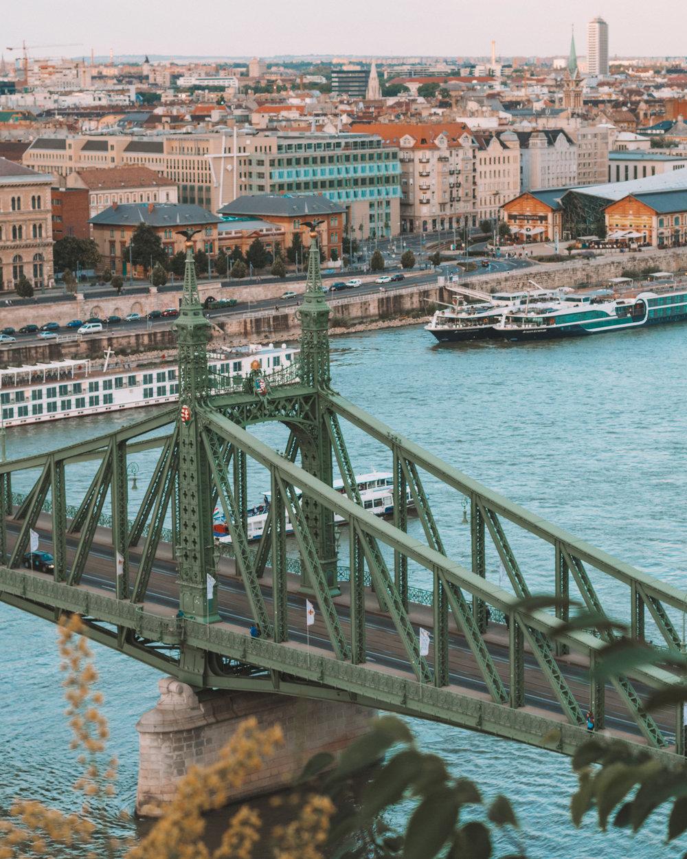 bridge green budapest hungary beautiful photos photography instagram pinterest freeoversea travel couple best places