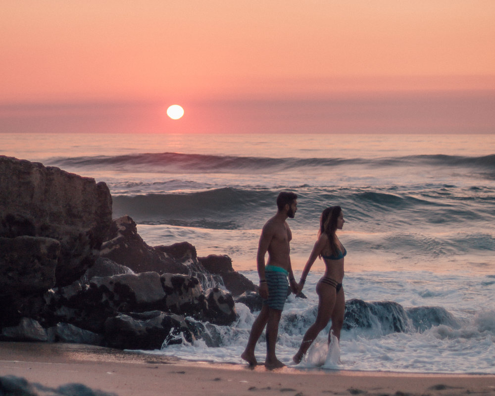 the real reason why we quit our jobs freelancer photographer travel couple portuguese freeoversea world nomads digital writers bloggers sunset inspiratio motivation