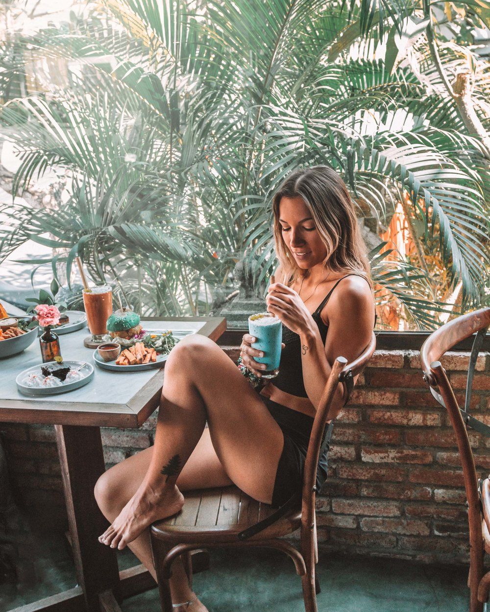 best places eat vegan canggu bali delicious food smoothies burgers vegetarian food beautiful photography freeoversea instagrammable