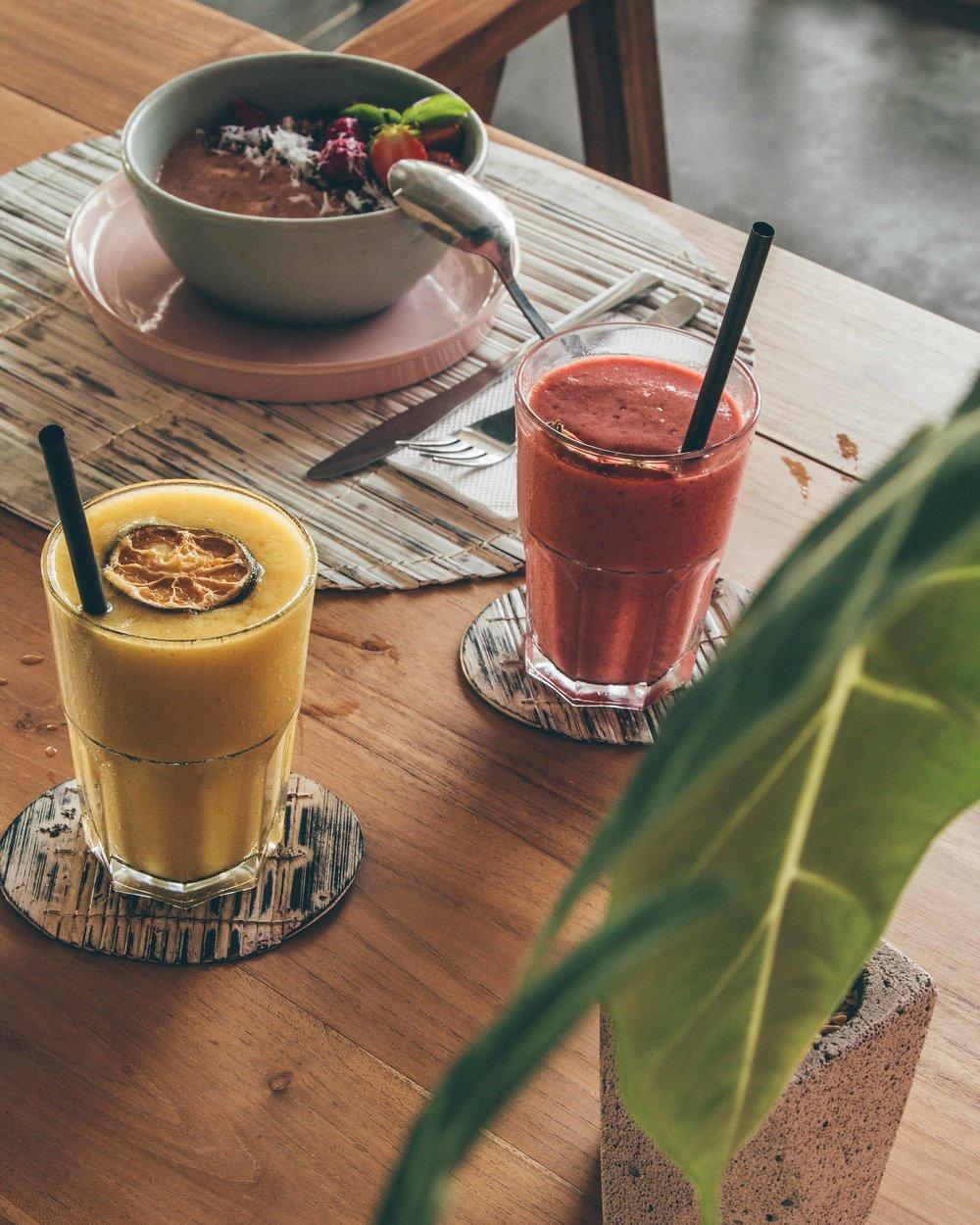 delicious vegan food breakfast smoothies fruit vegan vegetarian option best canggu bali missibu bali