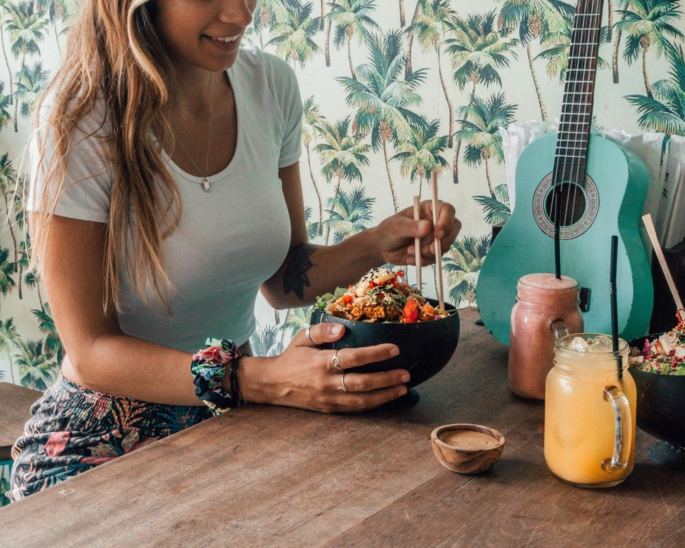 best spots eat vegan canggu bali food meal cheap prices bowls salad smoothies