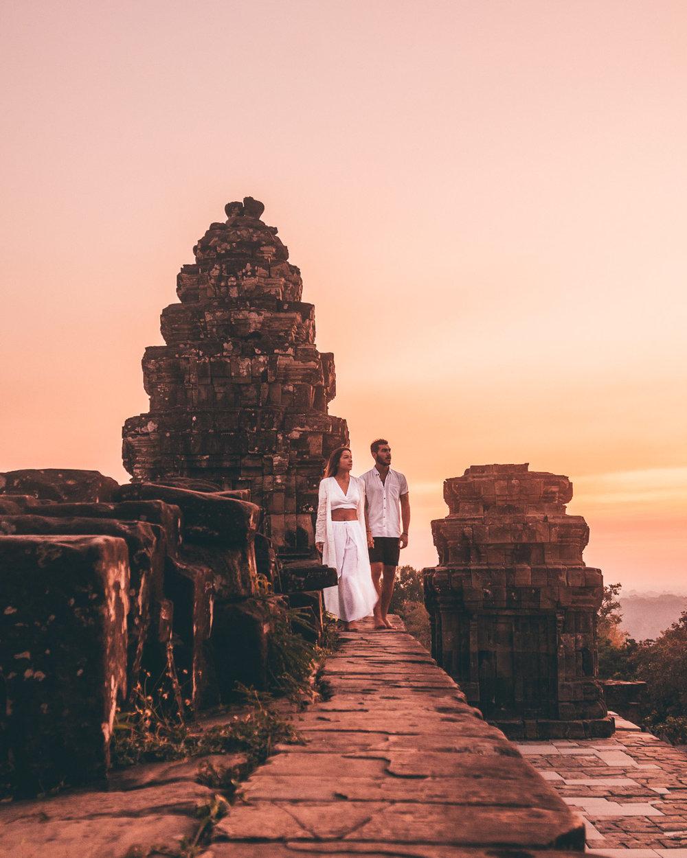 sunrise angkor watt cambodia siem reap temples