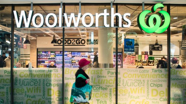 Woolworths ramps up its online grocery to fight against Amazon. Photo: Louie Douvis