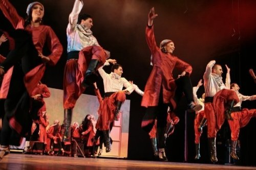 DABKE AND DEBKA.A TALE OF TWO DANCES: WILL THE LINE MEET THE CIRLE?