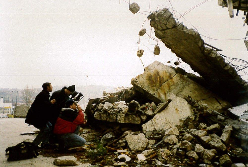 Sarajevo_CrumblingBuilding.jpg