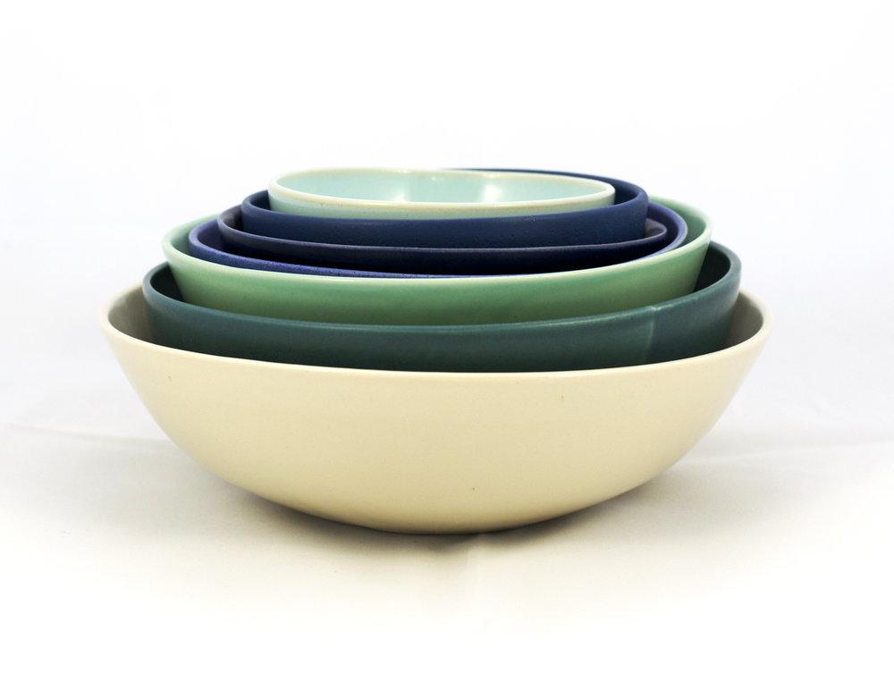7 nesting bowls
