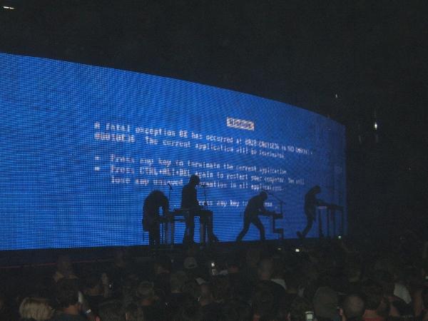 bsod-at-concert.jpg
