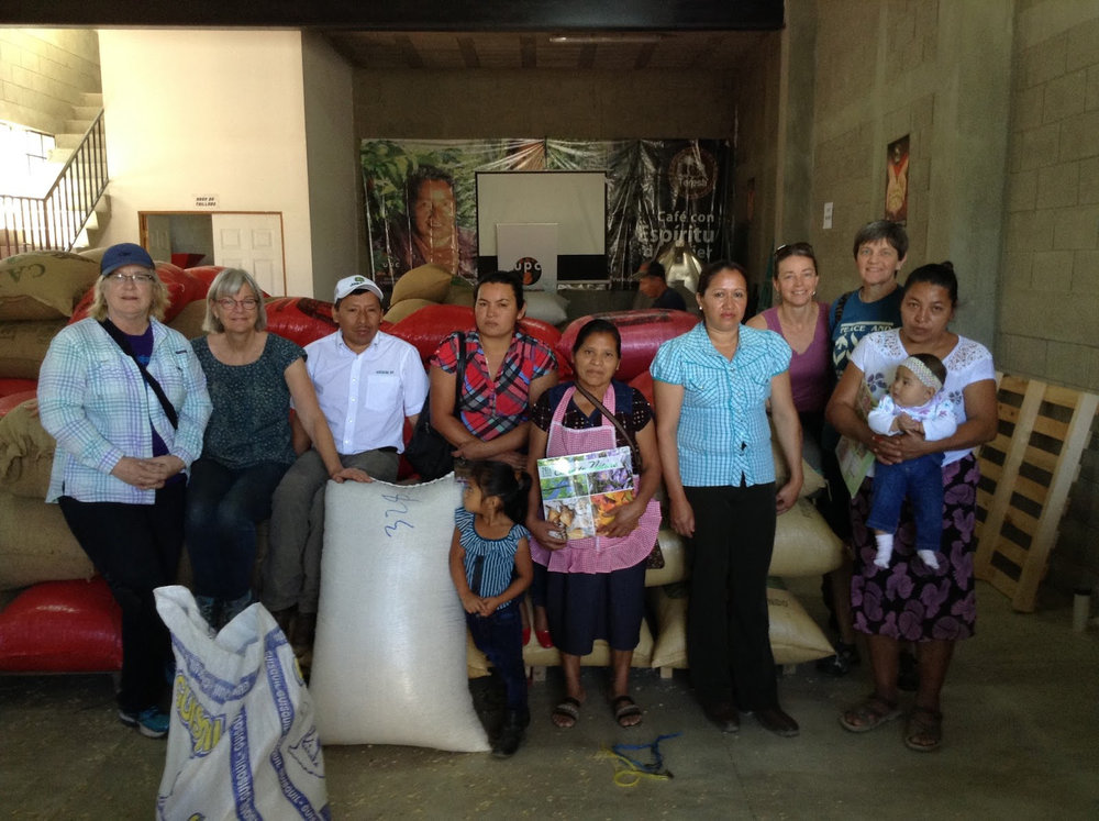 With the bags of coffee: Brenda, Jody, Jacinto, Orfa,Fabiana, Sonia, Sue, Donna, Maria Luz