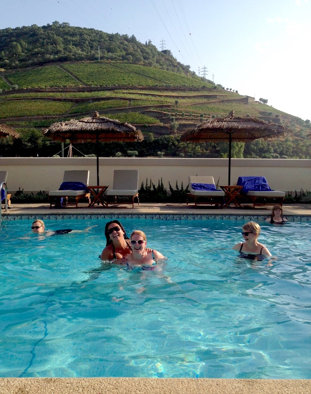 jodie and carolyn yucking it up in the douro valley