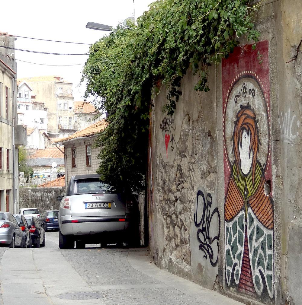 graffiti-porto-alley.jpg