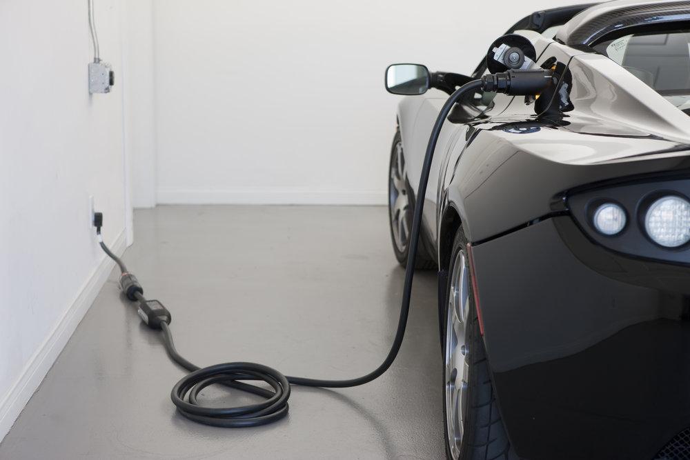 Roadster_2.5_charging1.jpg