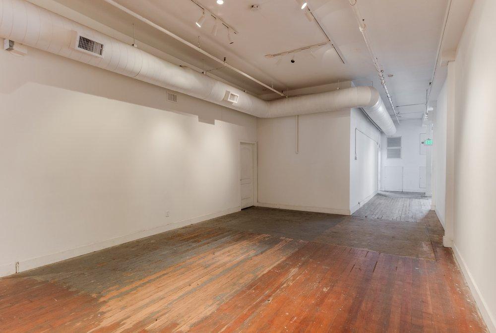 Wide Gallery Hallway.jpeg
