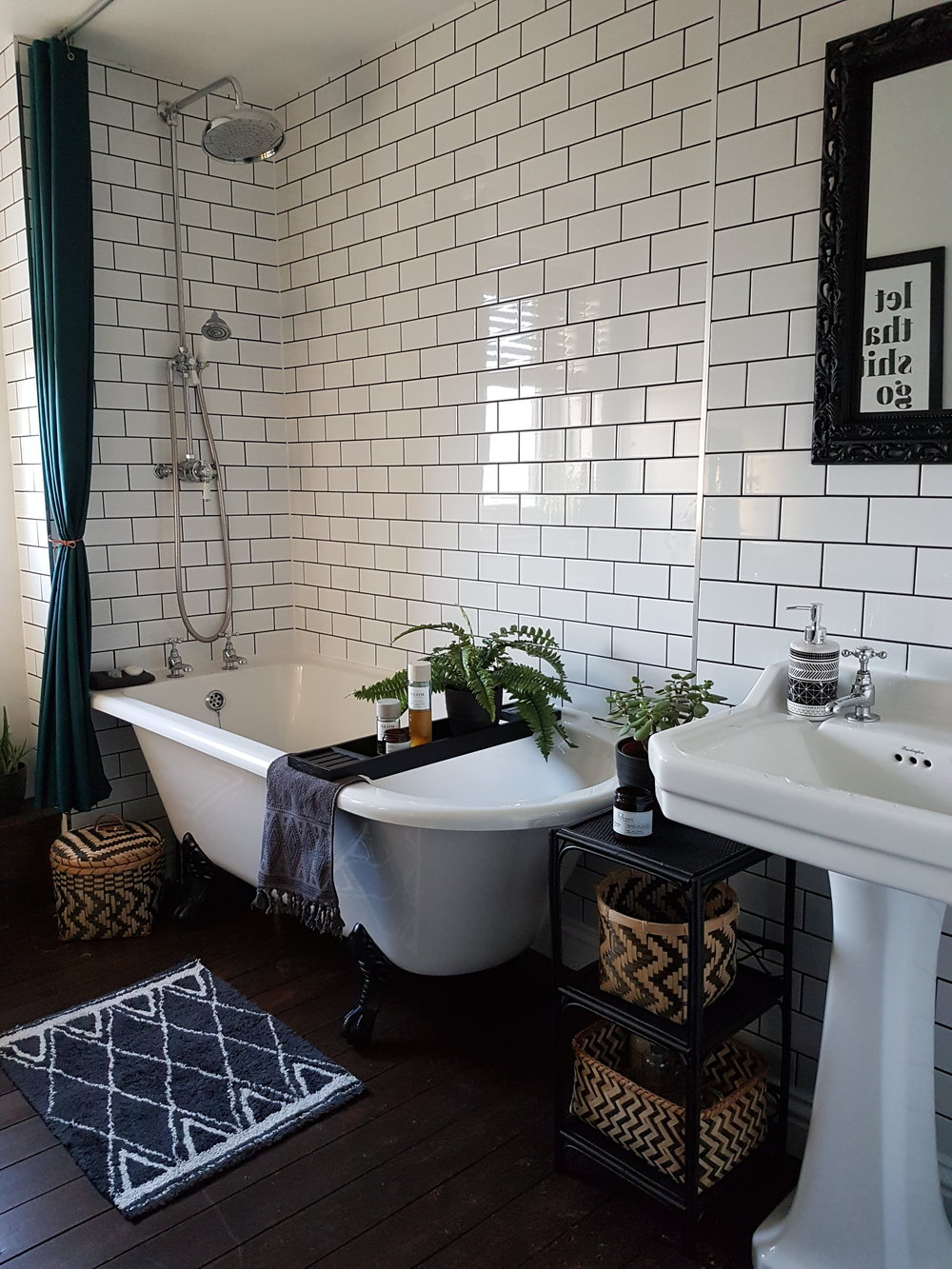 subway tiled bathroom, new york subway tiles,