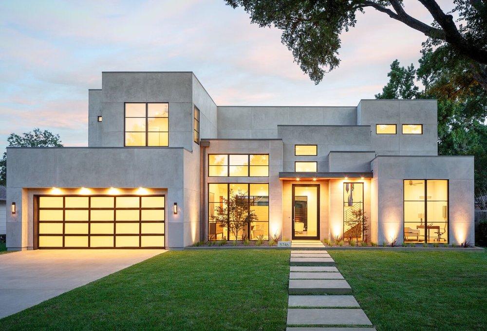 The Dallas House