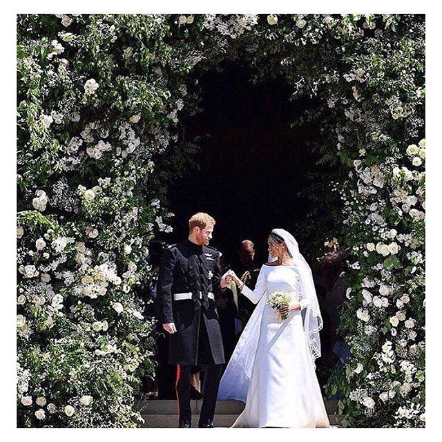 A real life fairytale ♥️ . . . #royalwedding #meganmarkle #princeharry #kensington #royalty
