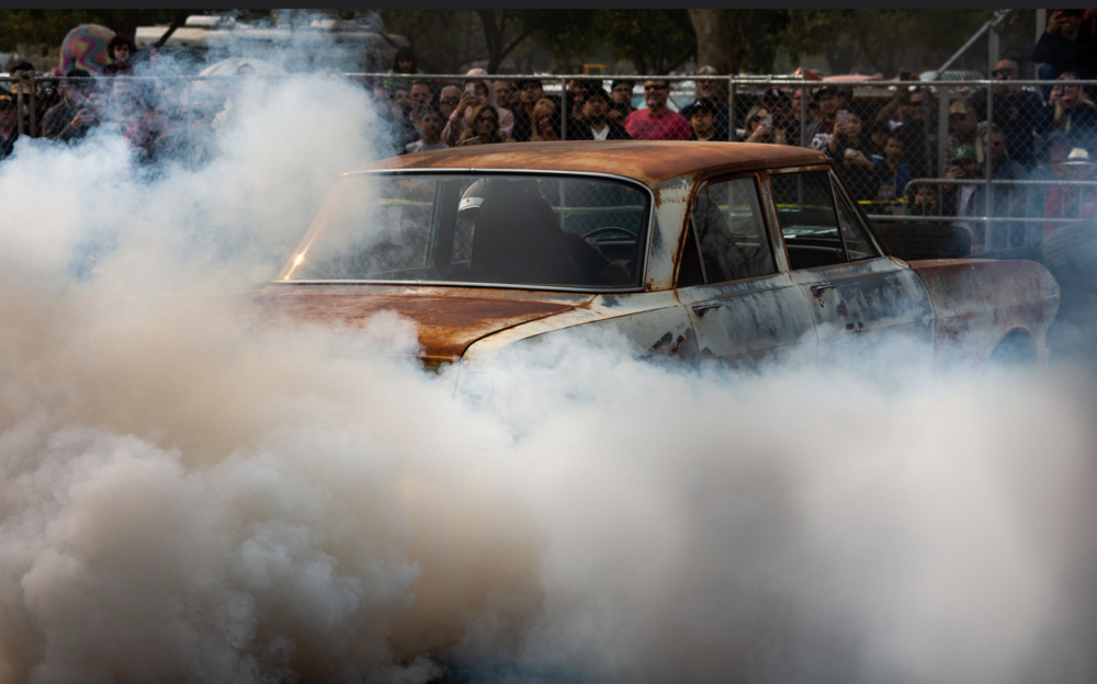 Both burnout competition pictures by @maberto https://www.flickr.com/people/19527814@N06/