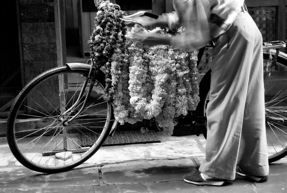 The Garland Seller