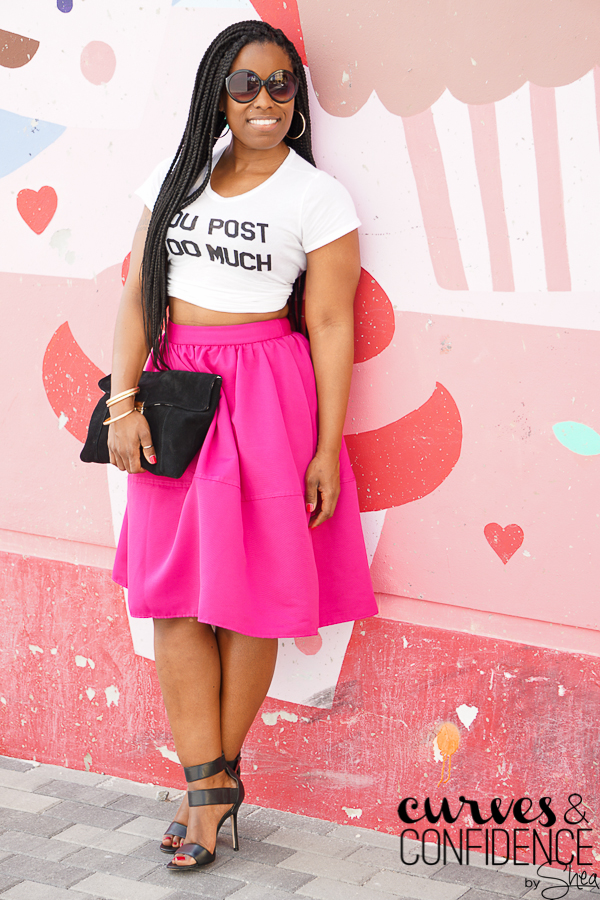 how curvy girls dress, weekend outfit, curvy style blogger, miami style blogger, miami fashion blogger, hot pink midi skirt, express midi skirt, midi skirt with pockets, how to style a midi skirt_.jpg