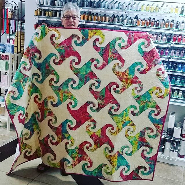 Another beautiful finish by our sweet Ms. Harriet. We love to see our customers' projects. Thanks for sharing this beauty!  #customerquilts #lqs #snailstrail  #snailstrailblock