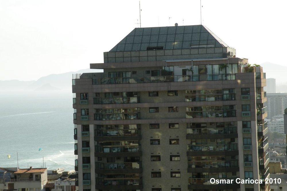 Aquamarine  Av. Lúcio Costa, 3.360 Barra da Tijuca – Rio de Janeiro Cliente: Compax A.T.C.: 85.891,52m²  Ano: 1998 – Projeto desenvolvido nos escritórios Musa: Edison Musa Arquitetura e Construção Ltda.