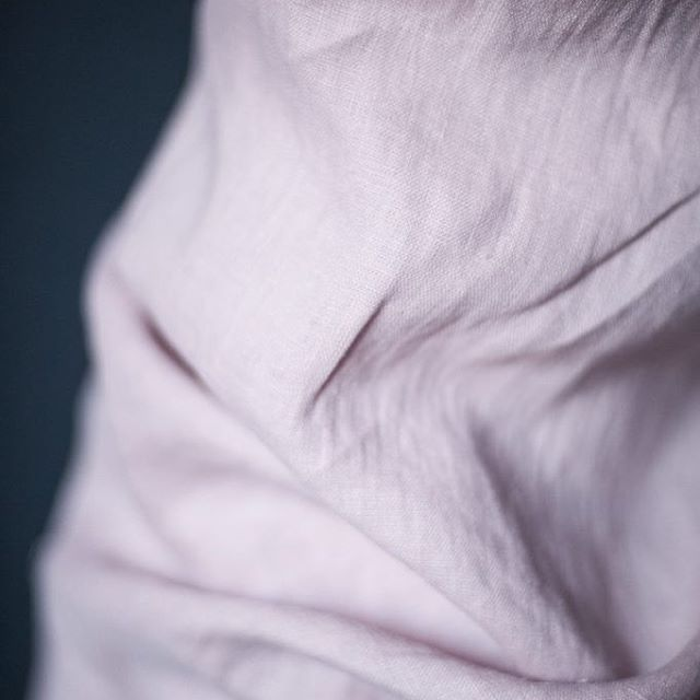 Spring is in the air! I'm feeling in the mood for brightening up my wardrobe again so I'm going start with making a lovely little Camber Set top in this divine soft pink linen 'Petrova', it will be a great little casual top to wear with jeans or a skirt. Can't wait to get started...🌸💞 Photo courtesy of @merchantandmills #sewing #dressmaking #european #linen #drapery #haberdashery #online #store