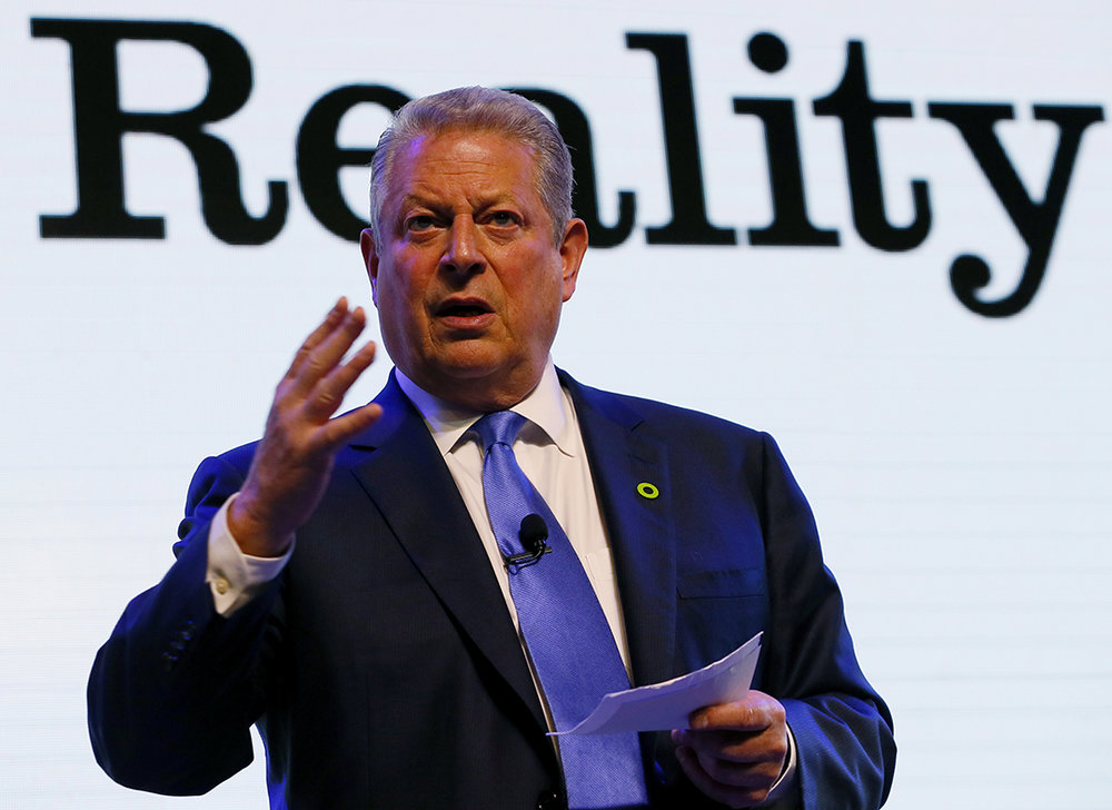 Al Gore's Green Ring Pin