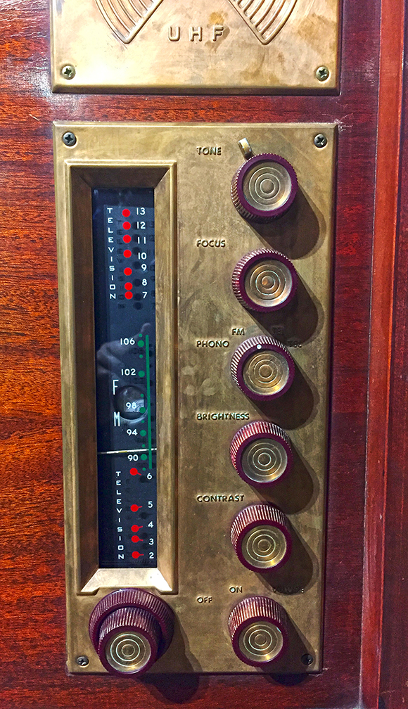 DuMont UHF TV Set - Dials