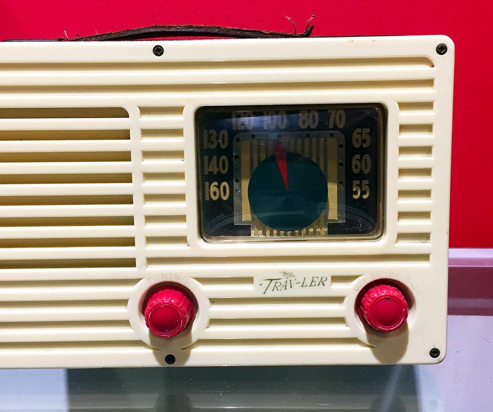 1950's Trav-Ler Karenola Radio