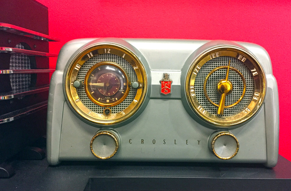 1950's Vintage Art Deco Crosley Radio