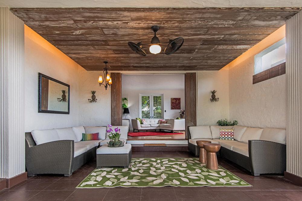 Lounge Lanai