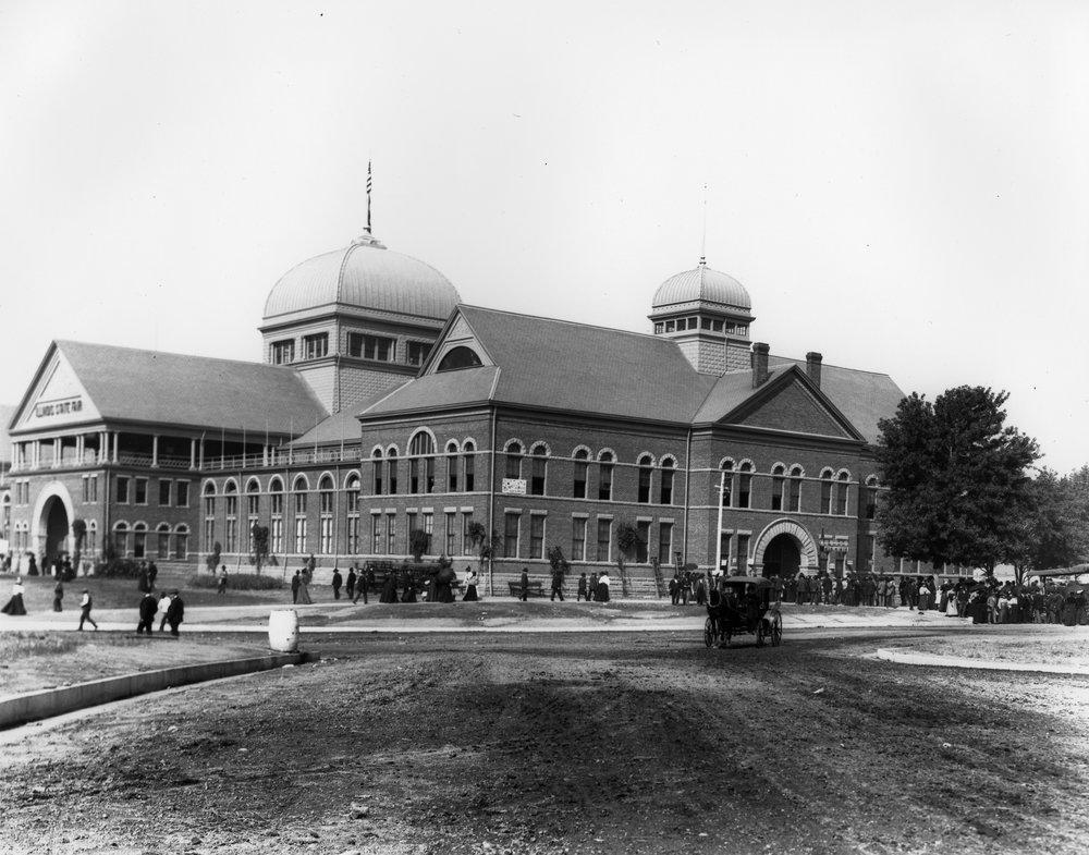 90-242003 SVC-LL Exposition building - Circa 1900.jpg