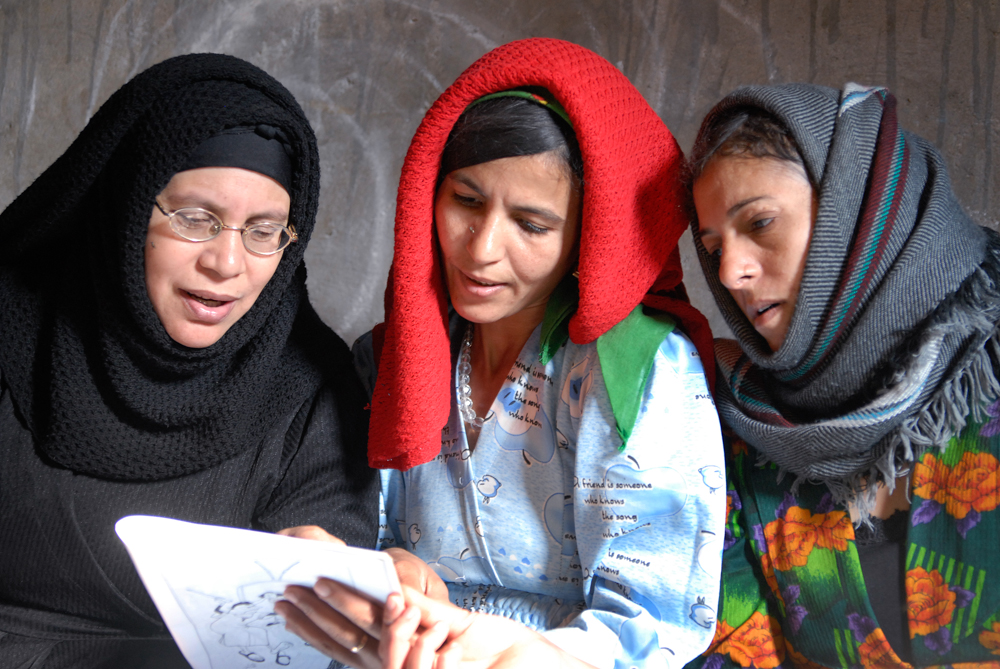 008_Egypt_Deir_Al_Barsha_Literacy_Class_byClaudiaWiens-2.jpg