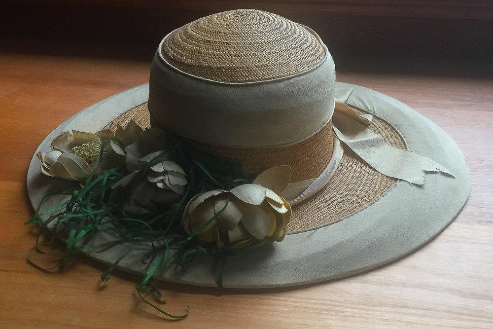 1915 Ladies hat.jpg