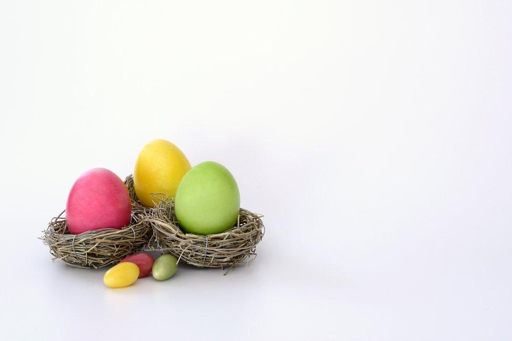 boiled-eggs-bright-cheerful-372173.jpg