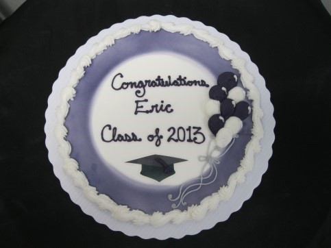 Graduation with airbrushed frame (on round cakes only), balloons and edible image cap