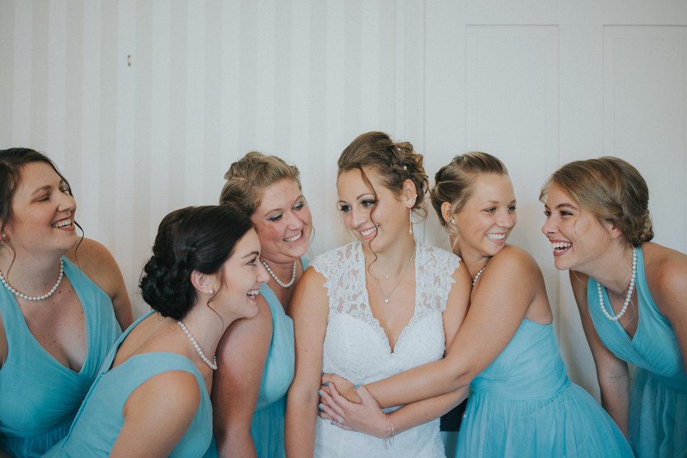 wedding-bridesmaids-blue-dresses