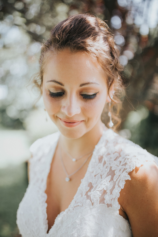 bride-wedding-nature-85mm