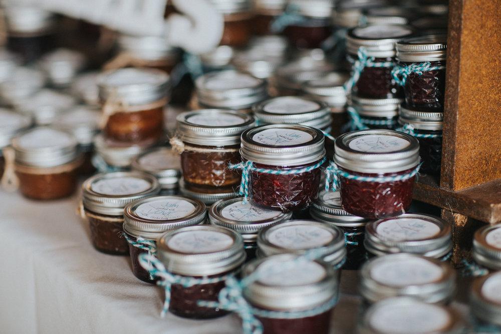 jelly-jars-wedding-favors
