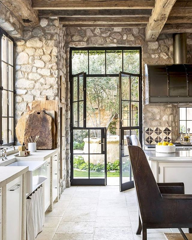 STEEL DUTCH DOORS! Yes pleeeease 😍😍😍 {Image via @housebeautiful}