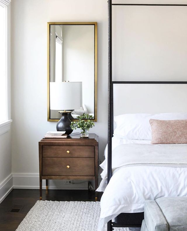 Nothing better than some late night pinning 🤗 Looking for some bedroom inspo and we're loving this pretty one designed by @parkandoakdesign 🖤