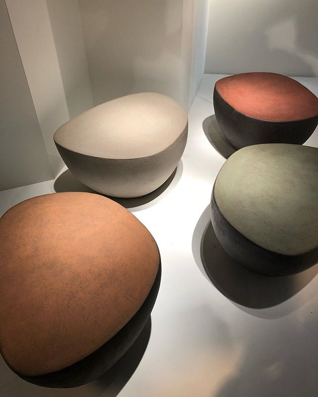 After weeks of travelling and enjoying the beauty of Milan and Venice I am catching up on the most inspiring designs from Salone del Mobile. I love these ceramic stools of Belgium brand #ateliervierkant gorgeous colours combined with sublime craftsmanship #ceramics #belgium #craftsmanship #interiordesign #winteriorconcepts #hk #inspiration #aesthetic #interiordesigner #interior4all #designer #decoration #deco #texture