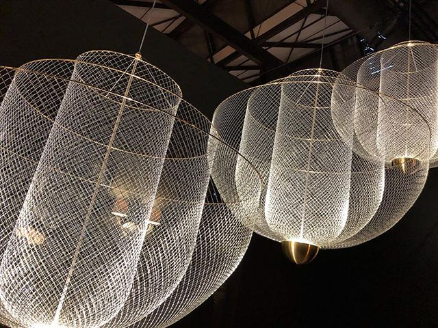 The @moooi installation at Salone del Mobile was definitely one of my personal highlights this year. I am now obsessed with these marvellous lighting fixtures. #breradesigndistrict #salonedelmobile #lighting #italy #obsessed #interiordesign #winteriorconcepts #hk #inspiration #aesthetic #interiordesigner #interior4all #designer #decoration #deco #texture